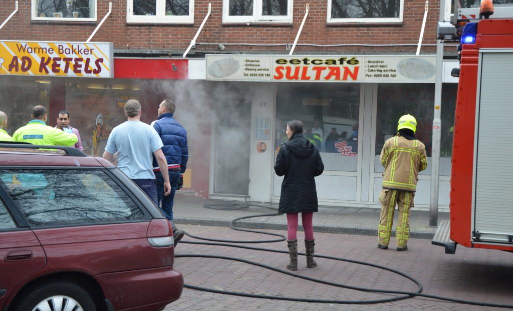Winkels dicht na brand bij snackbar