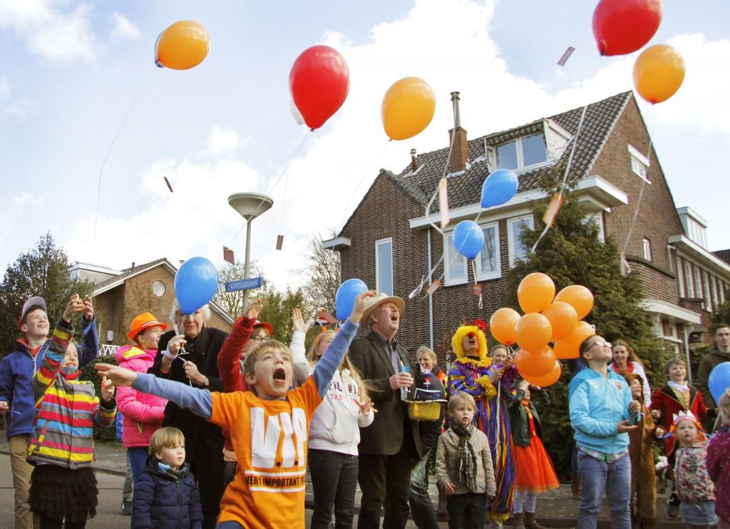 In beeld: Velsen viert Koningsdag