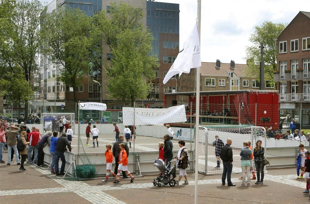 In beeld: Van Delden Straatvoetbal