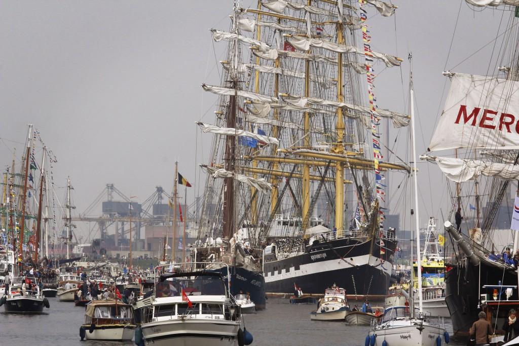 In beeld: Sail-In Parade IJmuiden