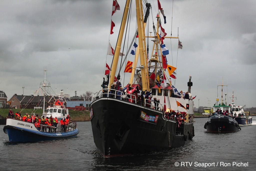 In beeld: Sinterklaas in IJmuiden