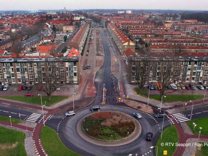 Ernstige verkeershinder tijdens aanpakken rotonde Lange Nieuwstraat/Planetenweg