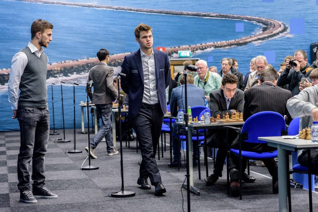 Ajax-speler Joël Veltman bij Tata Chess