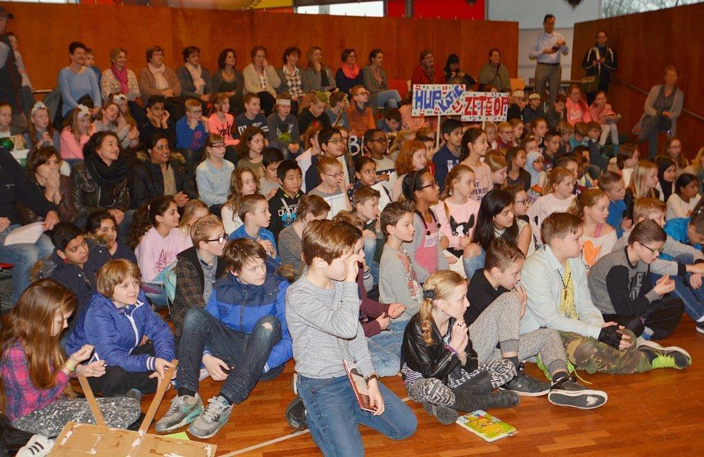 Nationale Voorleeswedstrijd in Bibliotheek Velsen