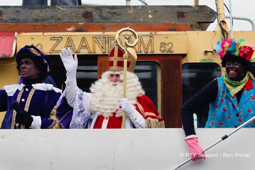 Sint en Piet in IJmuiden