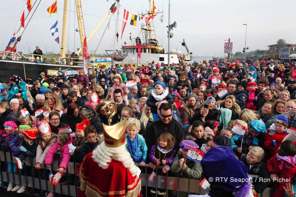 Intocht Sinterklaas in IJmuiden