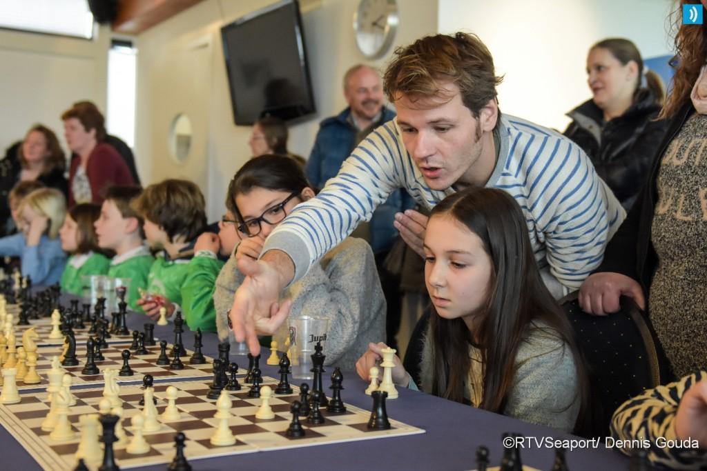 Simultaan schaken voor basisscholen (2)