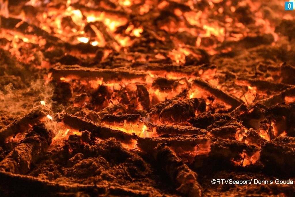 kerstbomen-verbranding-ijmuiden-19