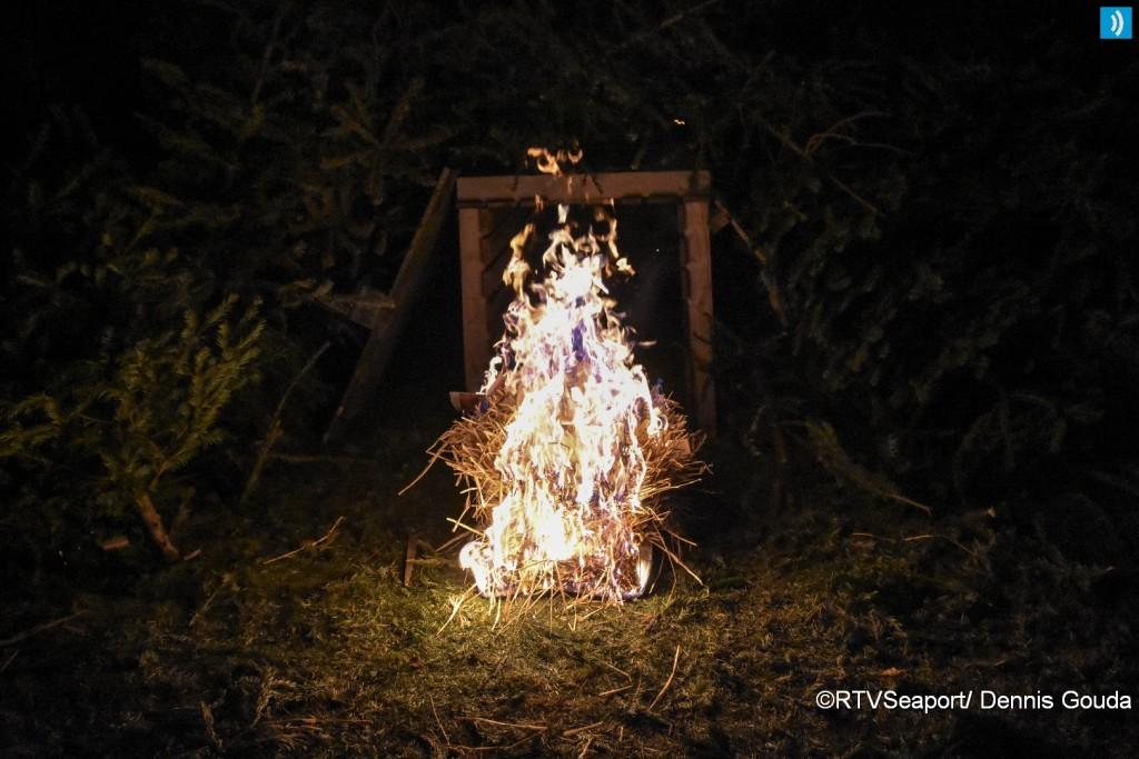 kerstbomen-verbranding-ijmuiden-2
