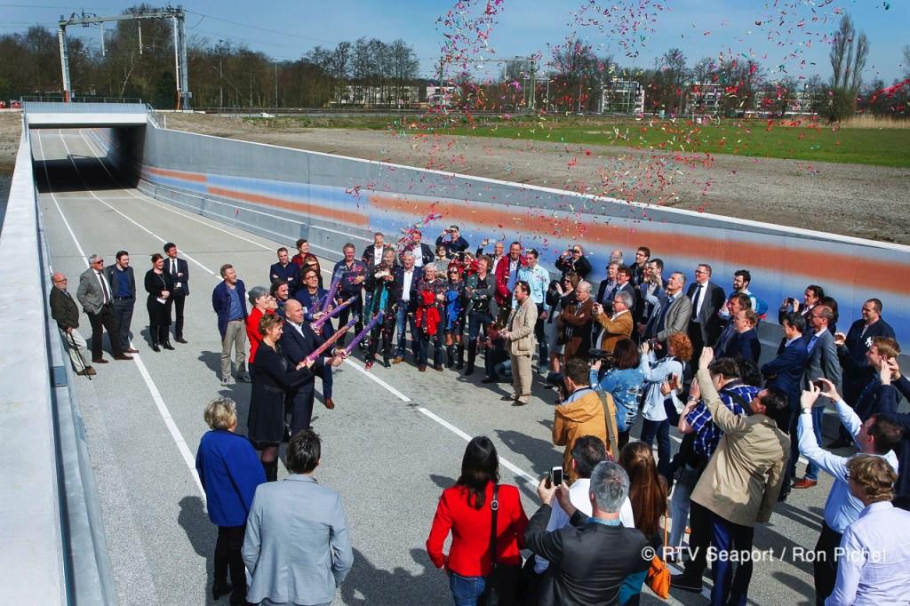 (update) Busbaan HOV officieel geopend video