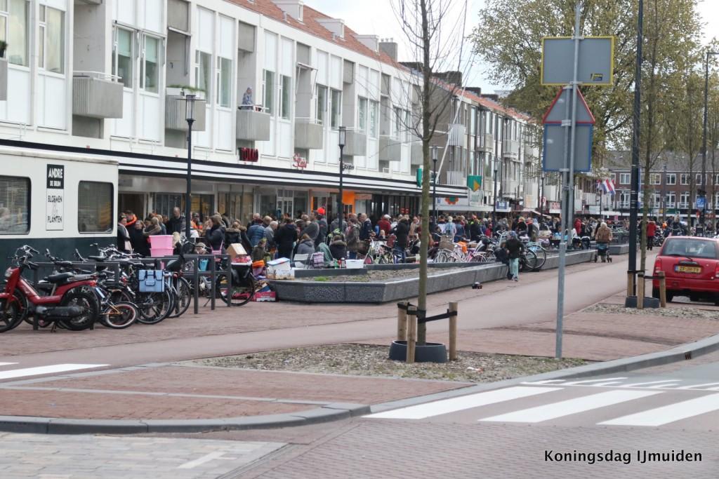 Snuffelmarkt Lange Nieuwstraat 27 mei