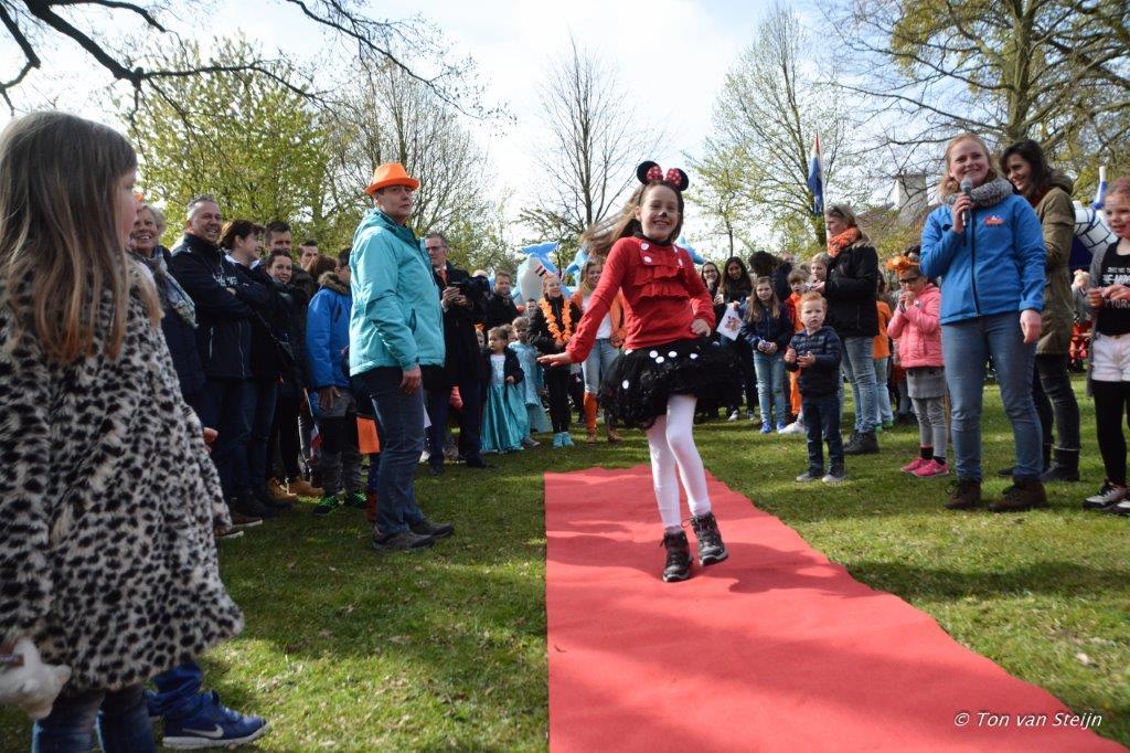 27-04-2017 Koningsdag santpoort (Ton) (13)