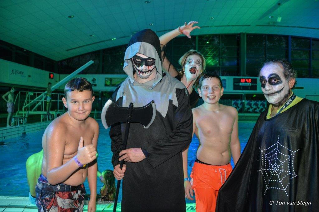 Halloween zwembad 2017 (9)
