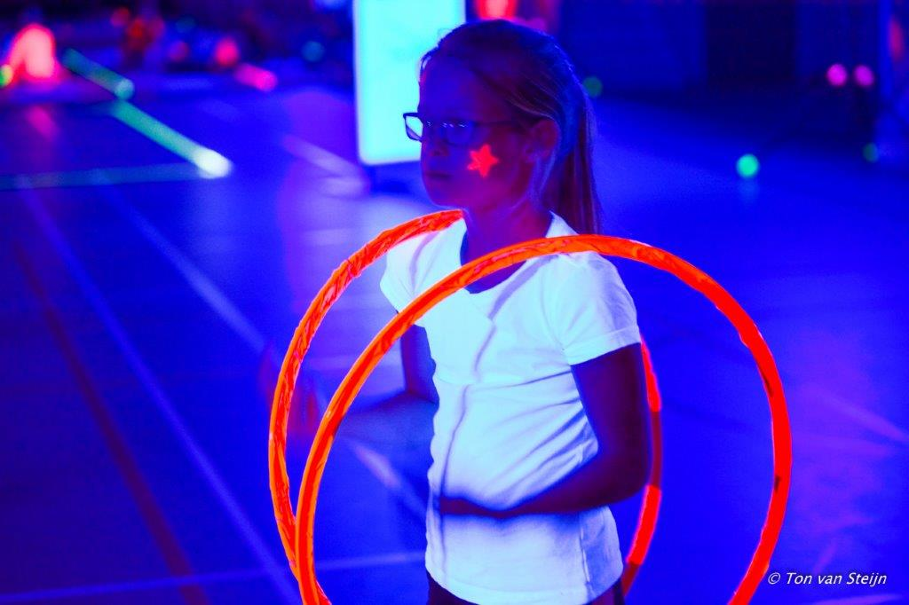 Glow in the dark in Sporthal Zeewijk