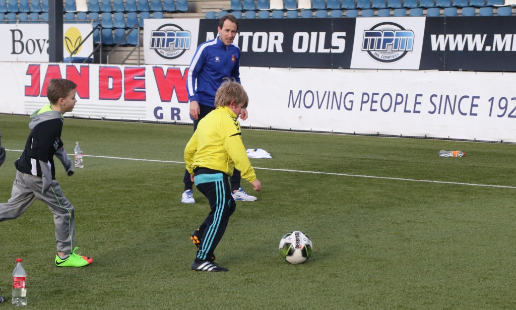 Voetbalclinic voor 'Het Vergeten Kind'