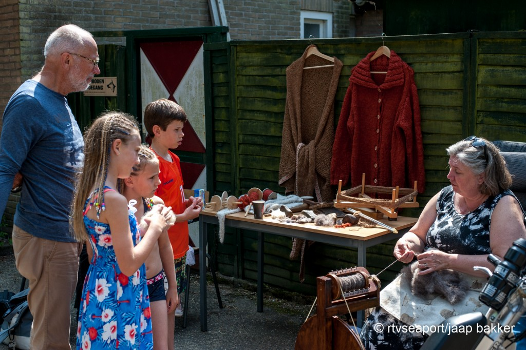 pinsteren in Velserbeek (7)
