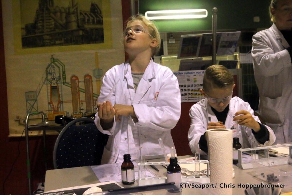 2018-10-24 Kinderen ontdekken laboratorium Hoogovenmuseum - 17