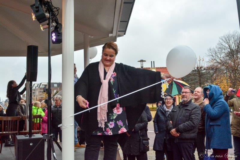 Muziektent in Santpoort geopend