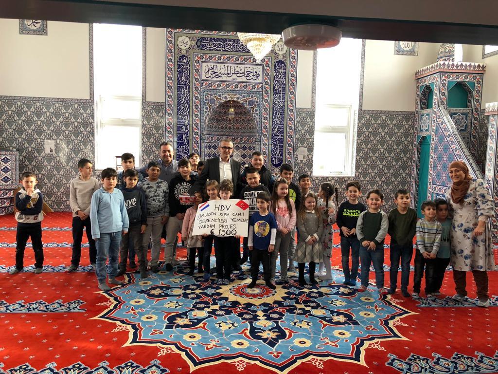 Leerlingen Kuba moskee zamelen geld in voor Jemen