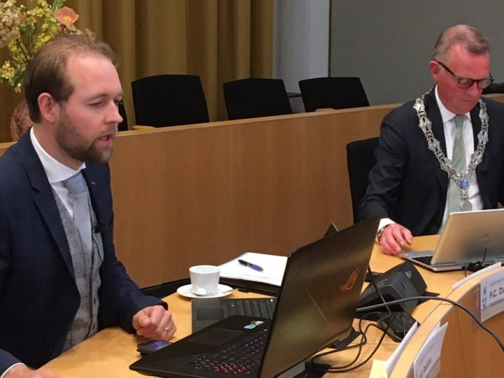 Eerste digitale raadsvergadering Velsen