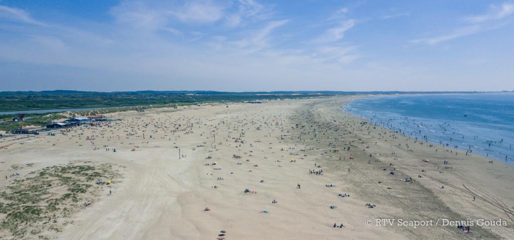 Drukte naar strand IJmuiden beheersbaar