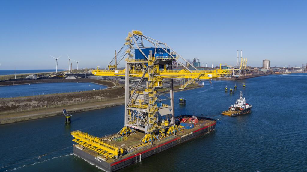 Enorme nieuwe loskraan voor Tata Steel