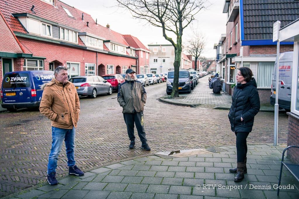 """Buurt in de bres voor echtpaar na verwoestende brand IJmuiden: """"We zijn er voor ze"""""""