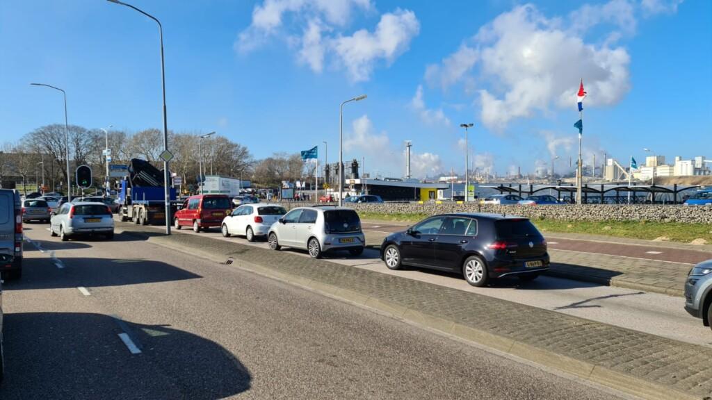 Ongeval Velsertunnel zorgt voor drukte op de weg