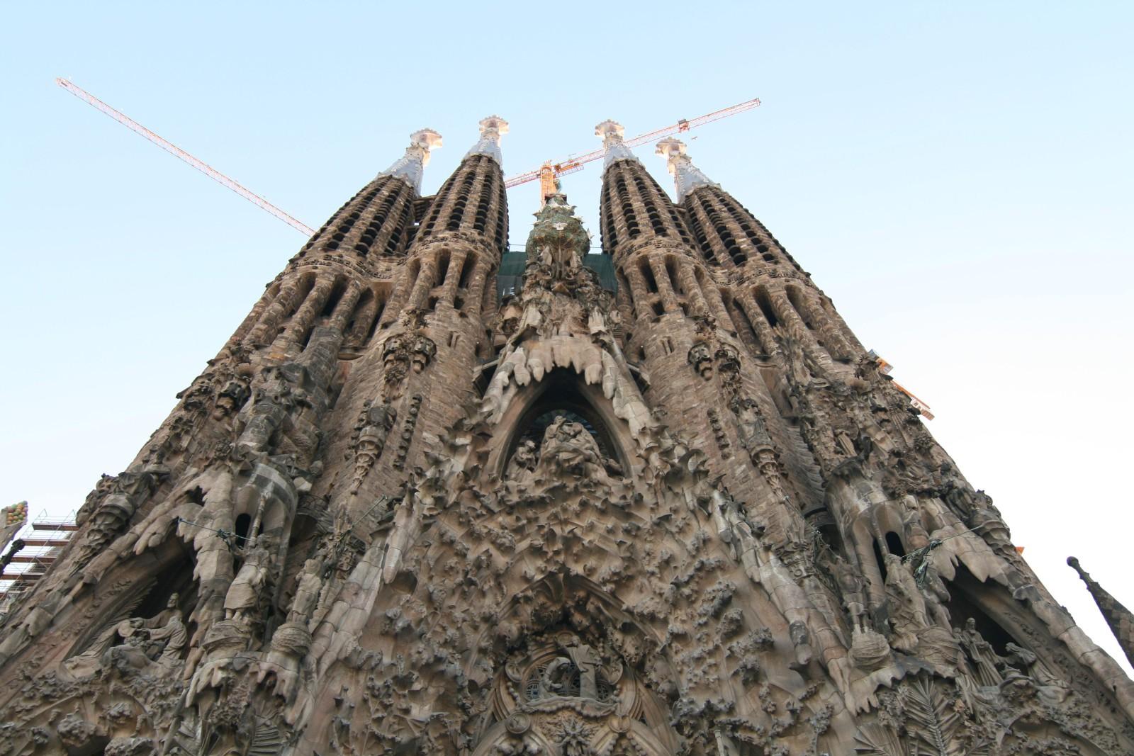 Sagrada Familia- Barcelona Inspiration | www.rtwgirl.com