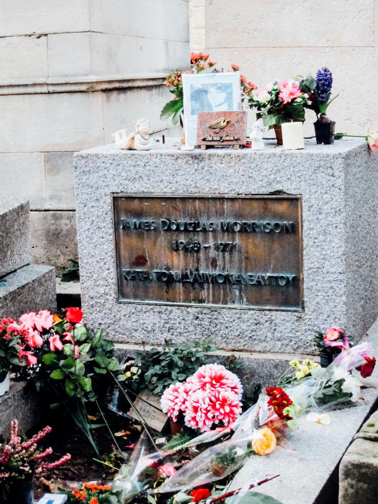 Jim Morrison grave Pere La Chaise - Paris tips | www.rtwgirl.com