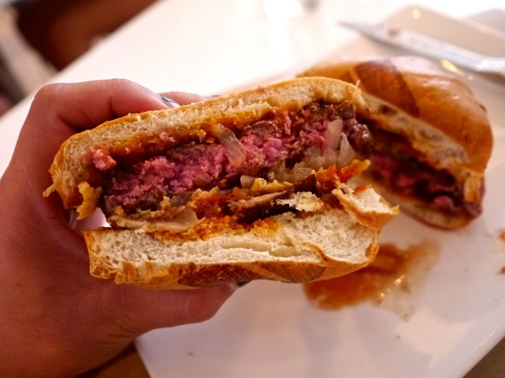 Umami Burger - Los Angeles Restaurants | www.rtwgirl.com