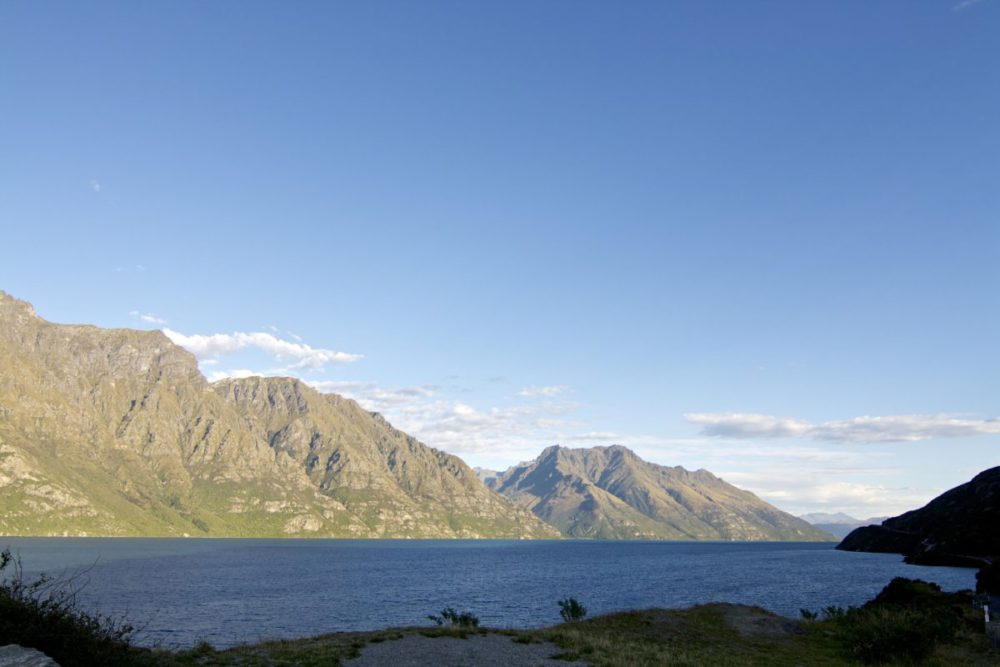 South Island Of New Zealand -Lake Wakatipu