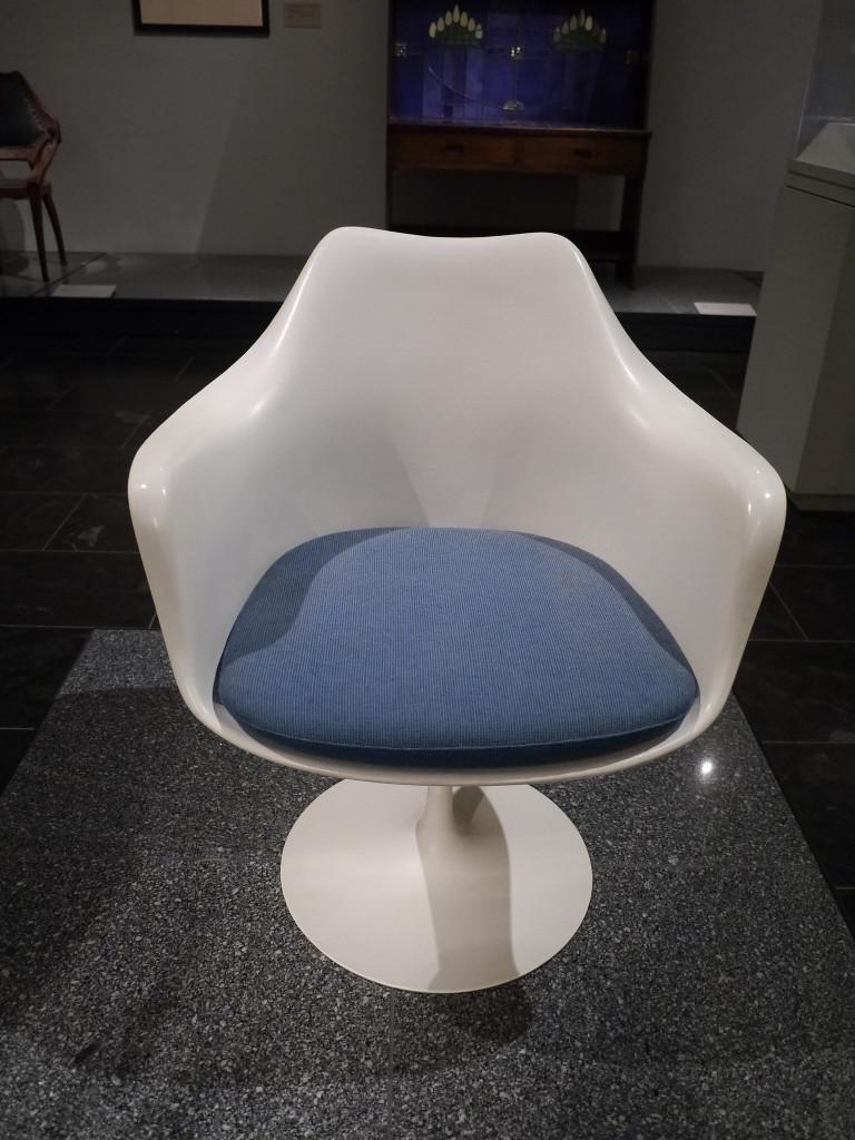 Eero Saarinen Tulip Chair MOMA - NYC CityPASS| www.rtwgirl.com