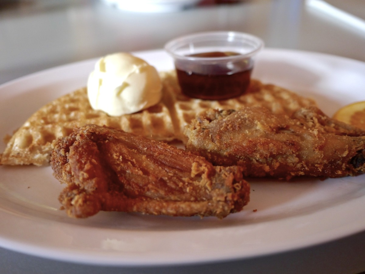Home of Chicken And Waffles Oakland - Savor Oakland Food Tours | www.rtwgirl.com