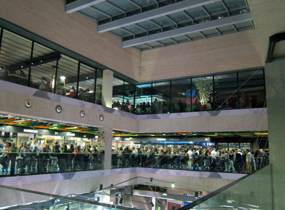 Mercado San Anton Madrid | www.rtwgirl.com