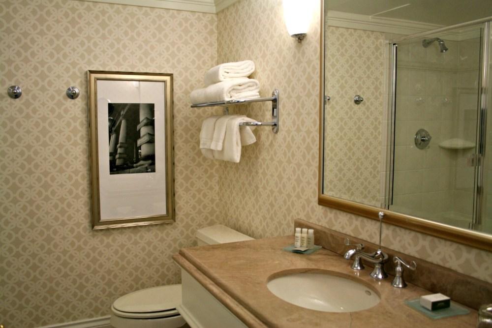 Victoria Canada Boutique Hotel | www.rtwgirl.com