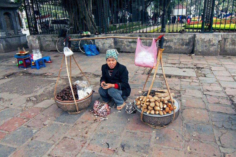 Street vendor - Hanoi Photo Diary