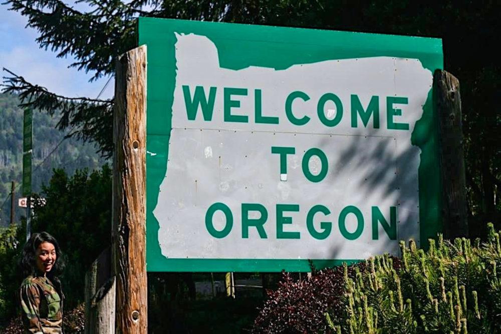 Welcome to Oregon sign   Oregon Coast Road Trip