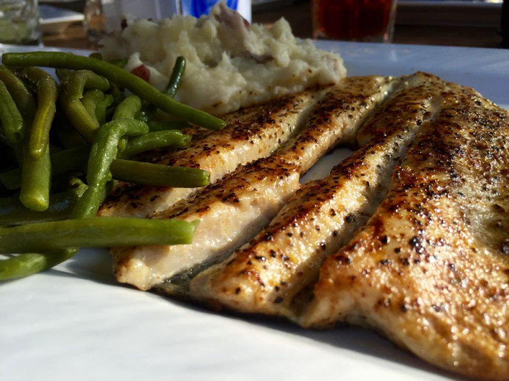 Toccoa Riverside Restaurant | www.rtwgirl.com