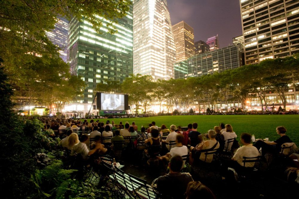 Free New York - Outdoor Movie Screenings | www.rtwgirl.com