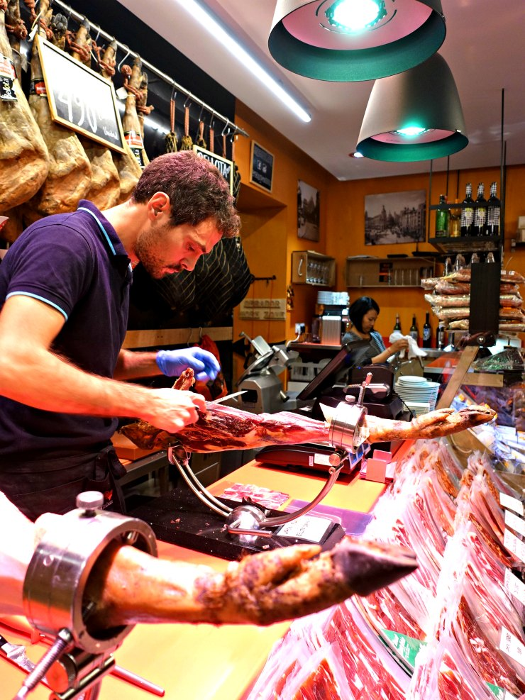 Devour Madrid Food Tours - Jamon | www.rtwgirl.com