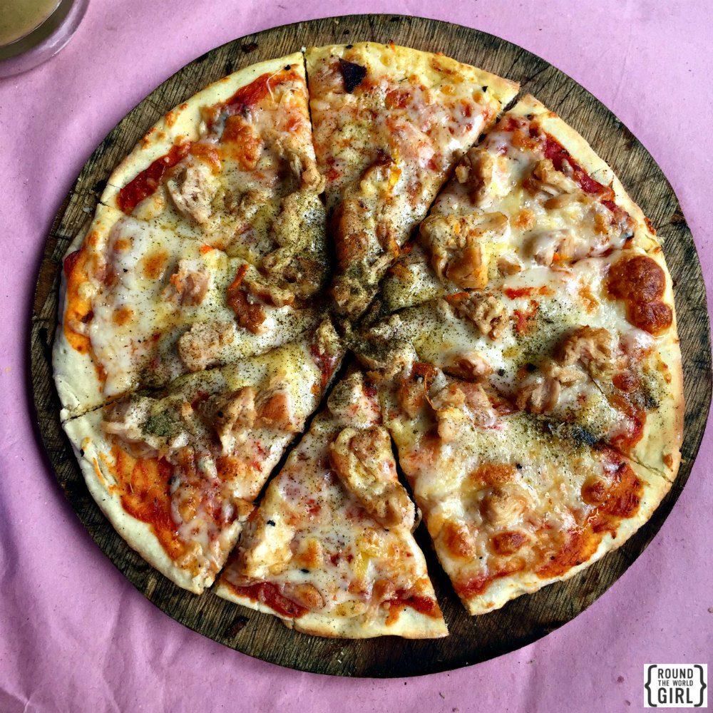Moroccan pizza | www.rtwgirl.com