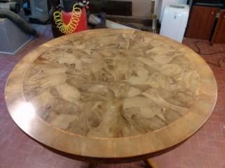 Oval table walnut