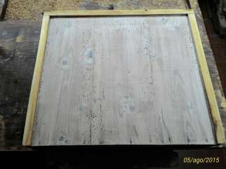 Restyling of a rustic table in mixed wood