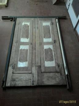 Реструктуризация двери и окна из каштанового дерева