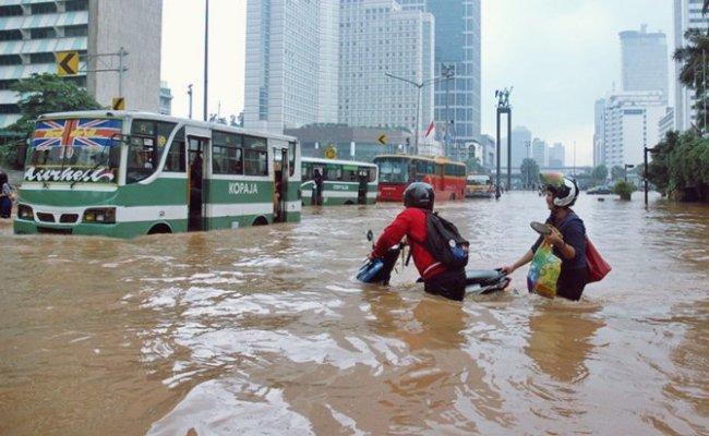 Contoh News Item Tentang Banjir Hal