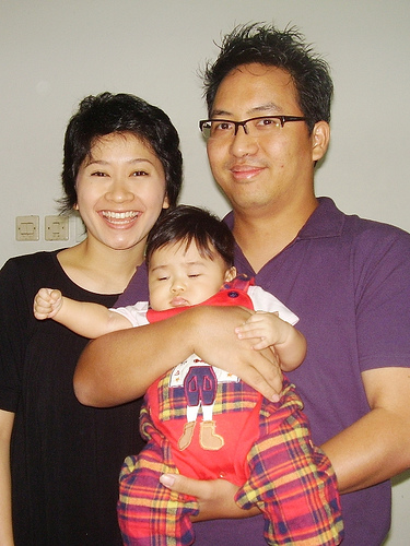 Satya dan Keluarga - founder of Tulakom.com