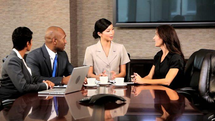 Kamu Harus Berurusan Langsung Dengan Klien - Berpikir Sebelum Memutuskan FreelanceBerpikir Sebelum Memutuskan Freelance - shutterstock.com