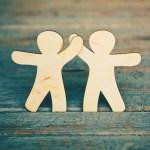 Jalin Hubungan Baik dengan Rekan yang Memiliki Attitude Kerja Positif