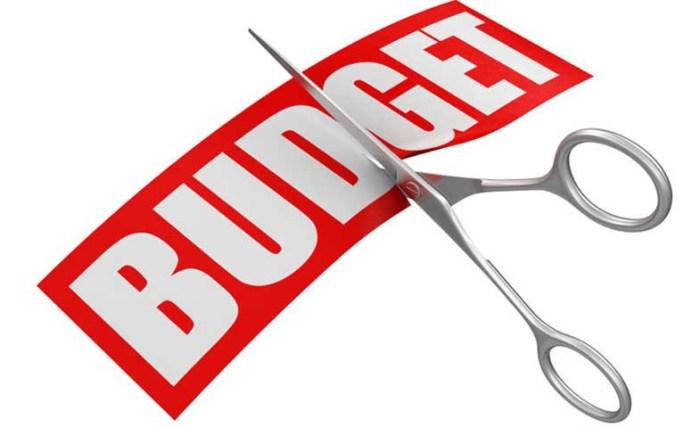 Jangan Terlalu Banyak Memotong Anggaran - Tips Freelance Mengelola Masa Krisis - indosop.co.id